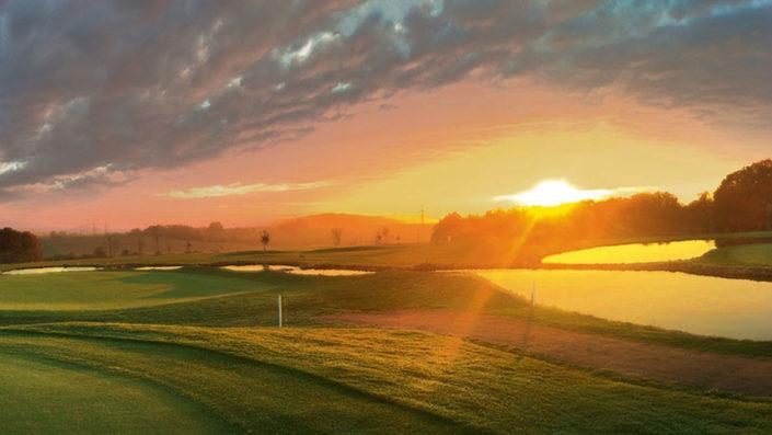 Sonnenuntergang 18-Loch-Platz Golfpark Gut Hühnerhof